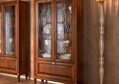 vetrina classica in legno Aosta