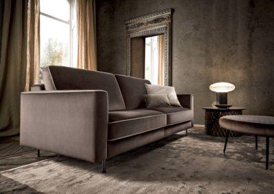 divano classico tessuto marrone Aosta