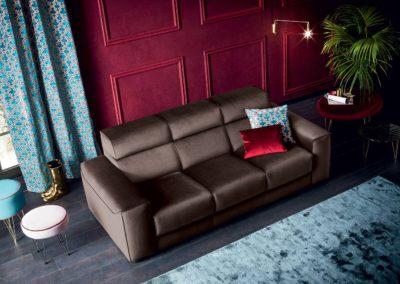 divano classico marrone Aosta